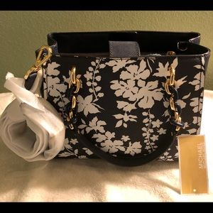 NWT Michael Kors Navy and White Floral Bag.